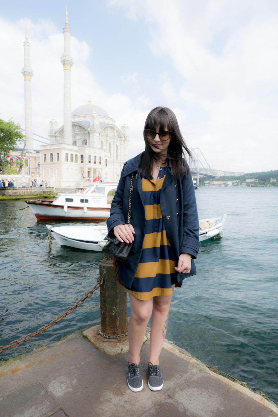 danielle-noce-vestido-farm-casaco-mar-jacobs-bolsa-chanel-tenis-vans-viagem-istambul-2