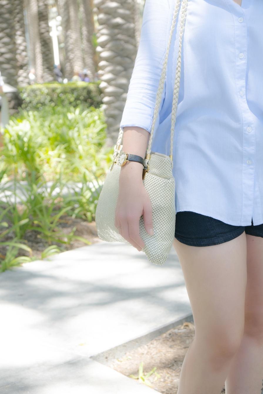 danielle-noce-look-dia-vidcon-ootd-camisa-azul-short-jeans-tenis-vans-urban-outfitters-3