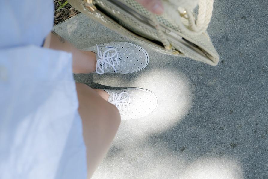 danielle-noce-look-dia-vidcon-ootd-camisa-azul-short-jeans-tenis-vans-urban-outfitters-5