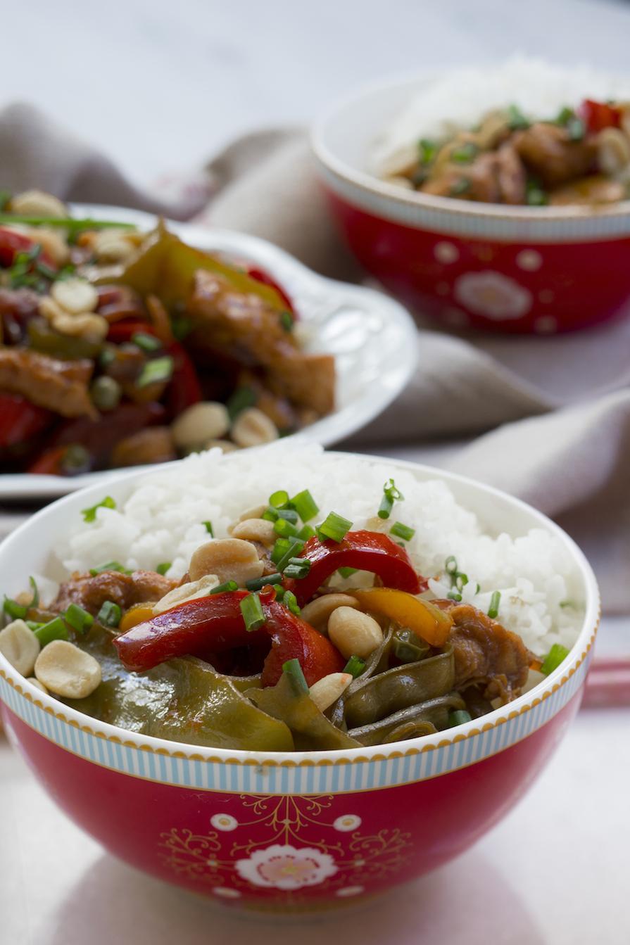 receita-como-fazer-frango-chines-amendoim-pimentao-arroz-vagem-cebolinha-1