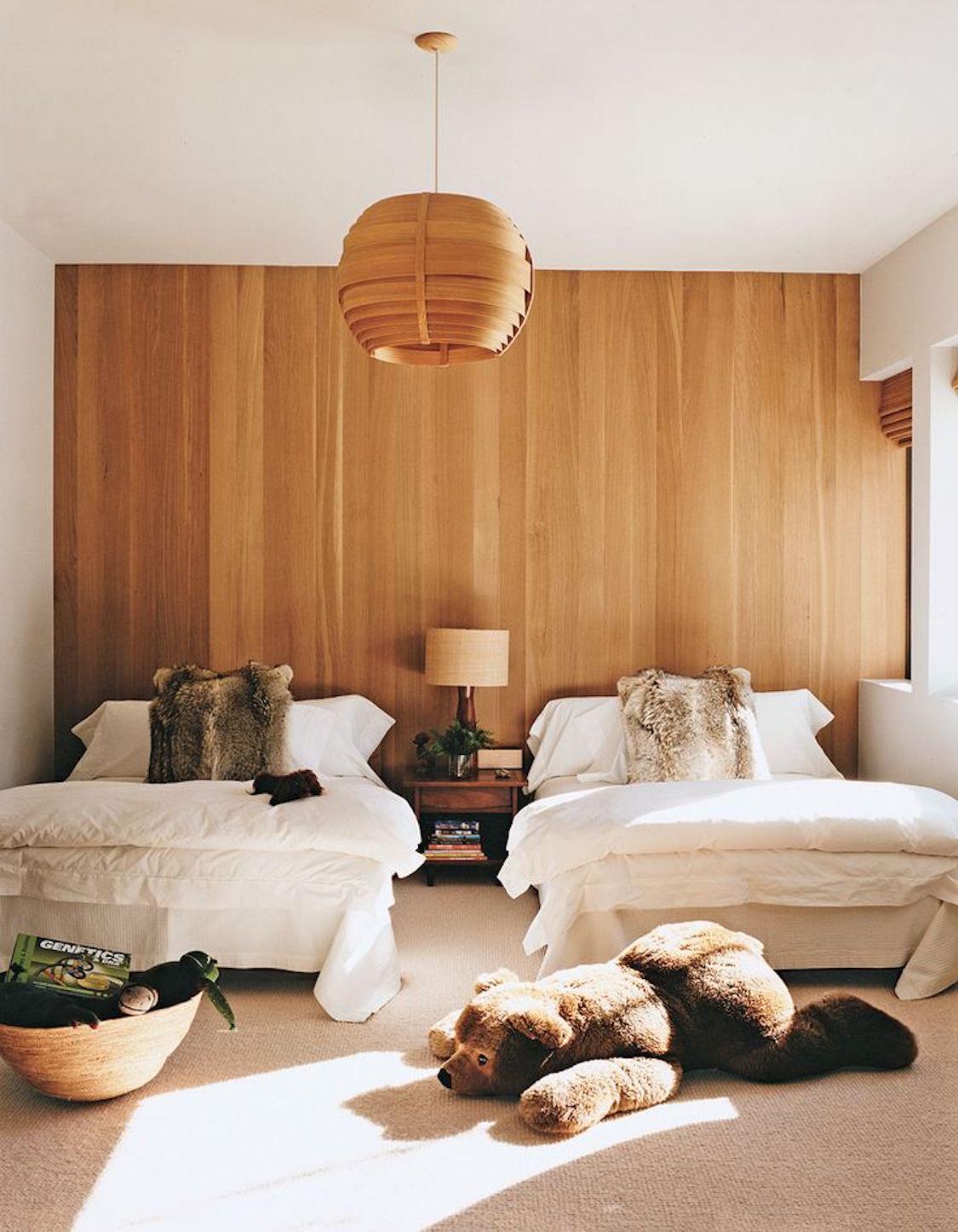 ambientes-e-decoracao-com-paredes-revestidas-de-madeira-dani-noce-2