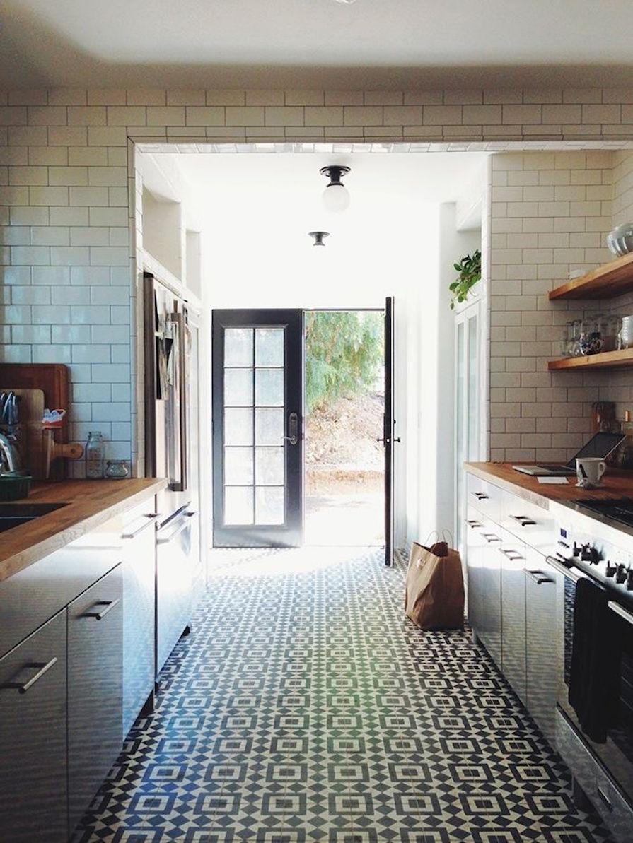 ladrilhos-hidraulicos-no-piso-da-cozinha-dani-noce-5