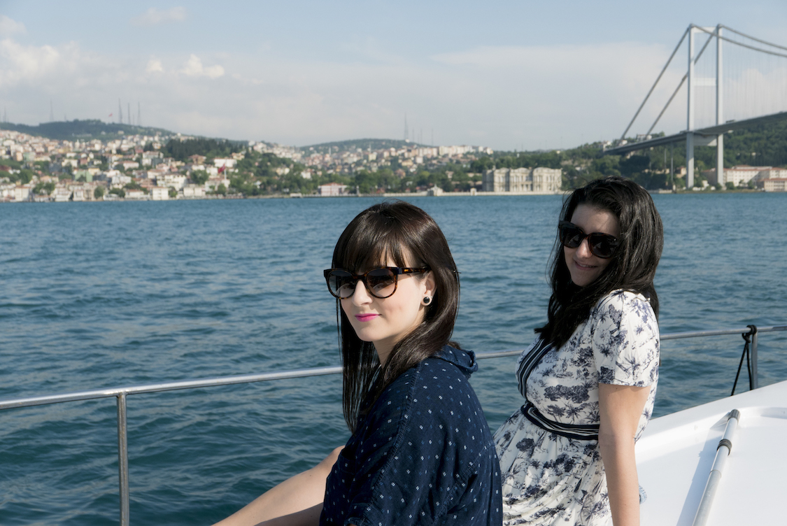 istambul-look-camisa-azul-bolinhas-danielle-noce-1