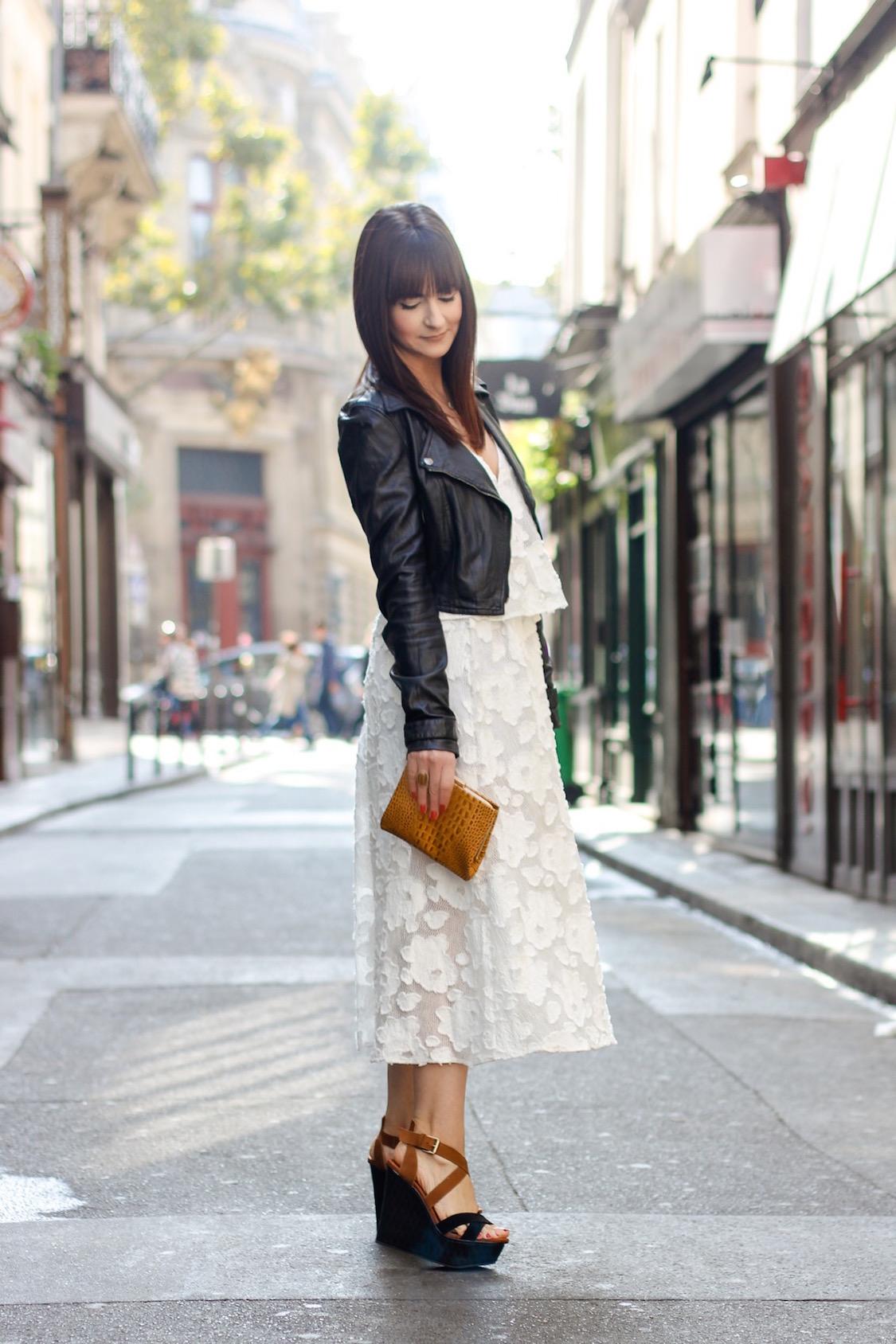 look-neutro-preto-e-branco-vestido-fluido-e-jaqueta-de-couro-dani-noce-11