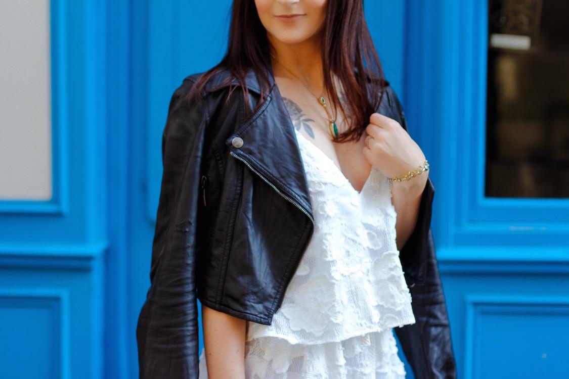 look-neutro-preto-e-branco-vestido-fluido-e-jaqueta-de-couro-dani-noce-5