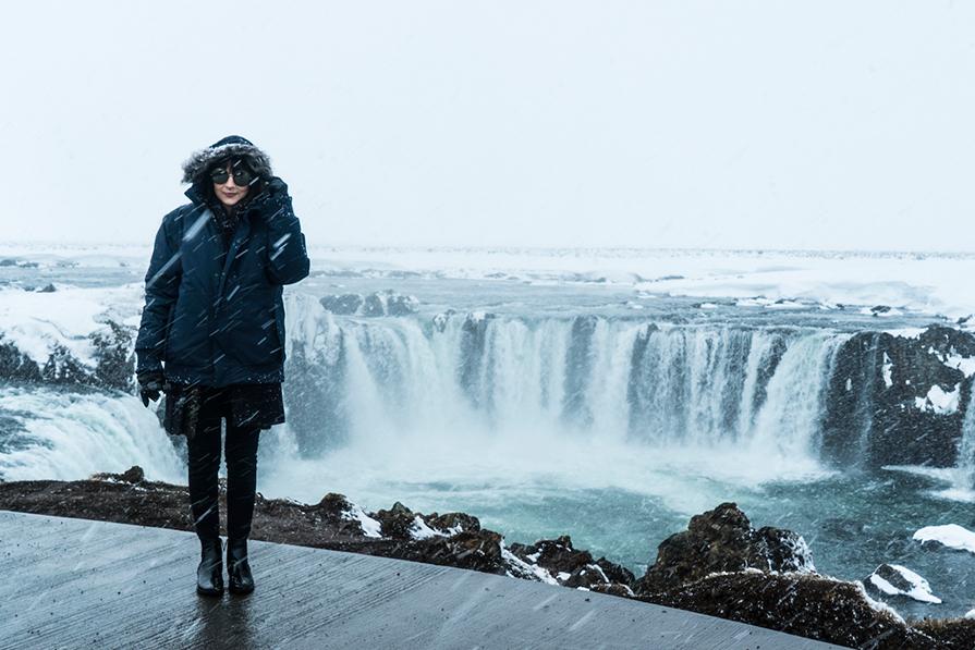 Muita neve no segundo dia na Islândia