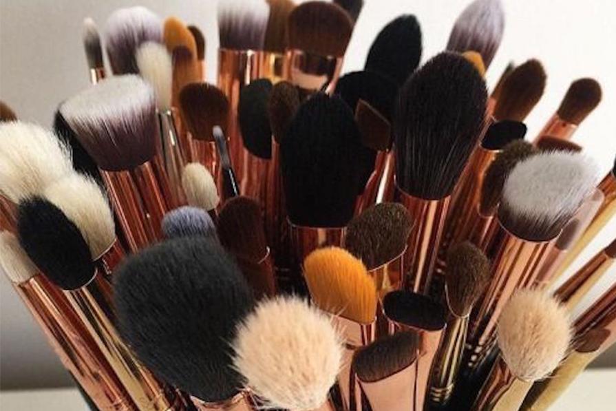 A importância dos pincéis na maquiagem