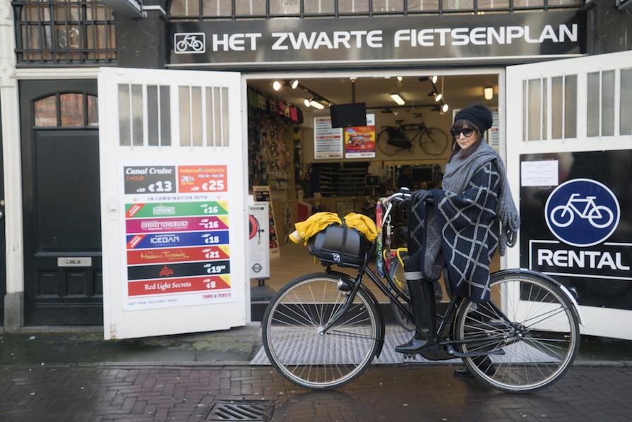 black-bikes-amsterdam-aluguel-de-bicicletas-viagem-danielle-noce-0