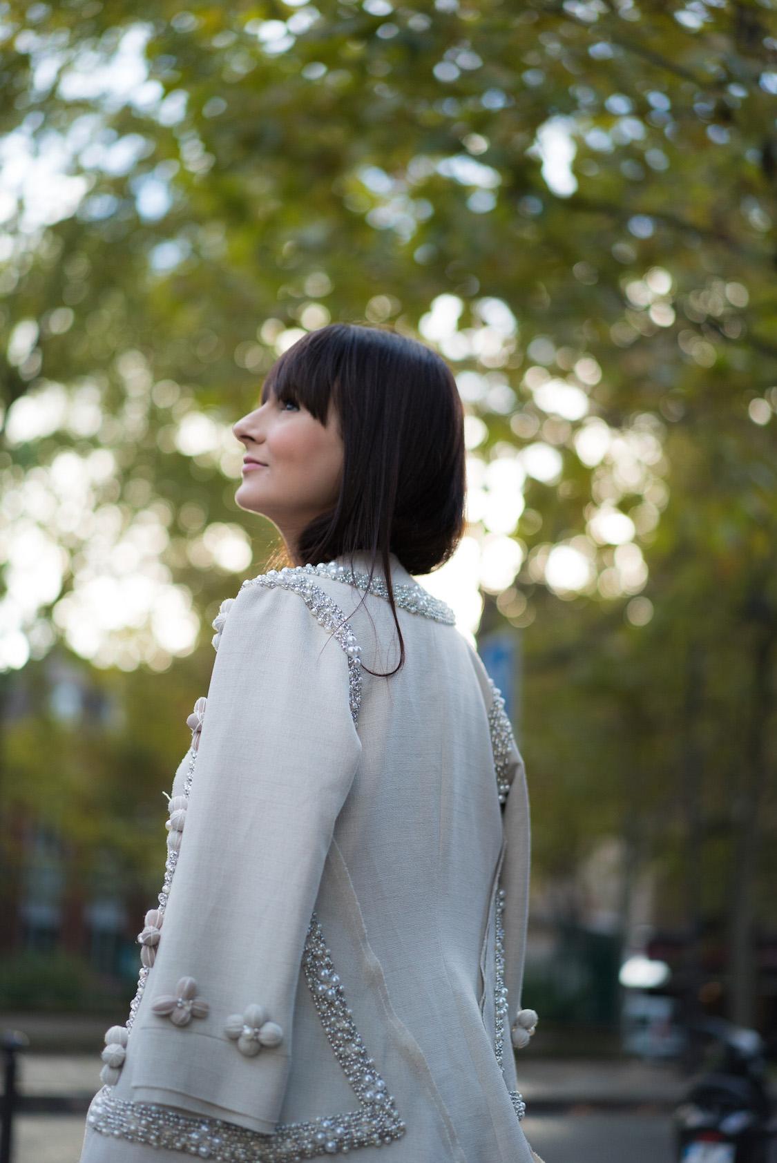 moda-estilo-casaco-jogado-no-ombro-danielle-noce-1