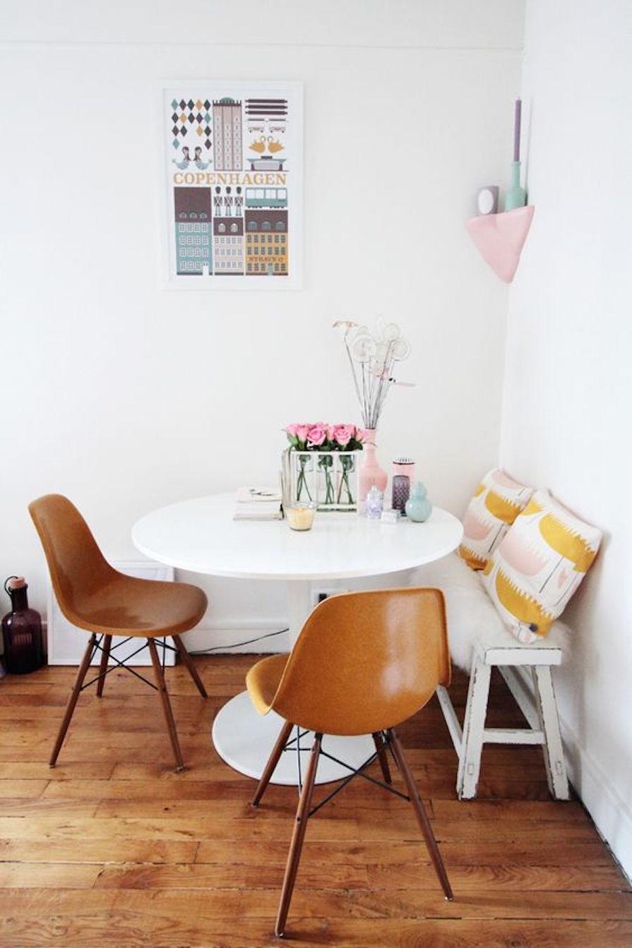 mesa-com-sofa-banco-puff-decoracao-danielle-noce-2