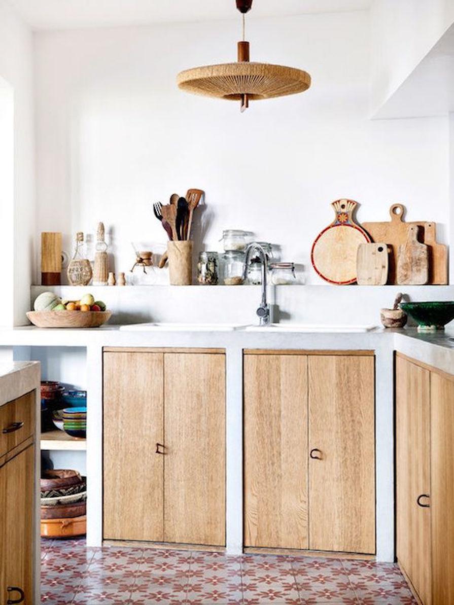 cozinhas-com-madeira-rustica-ou-de-demolicao-danielle-noce-0