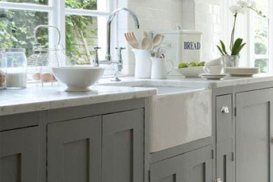 cozinha-as-cubas-mais-lindas-que-voce-ja-viu-cubas-de-semi-encaixe-farm-sink-dani-noce-imagem-destaque