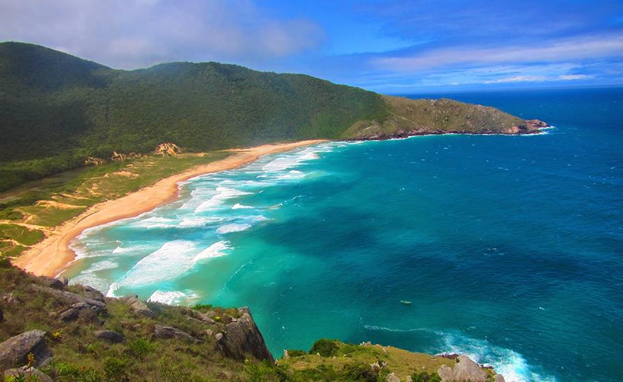 itoral-catarinense-5-lugares-incriveis-para-viajar-no-verao-danielle-noce-2