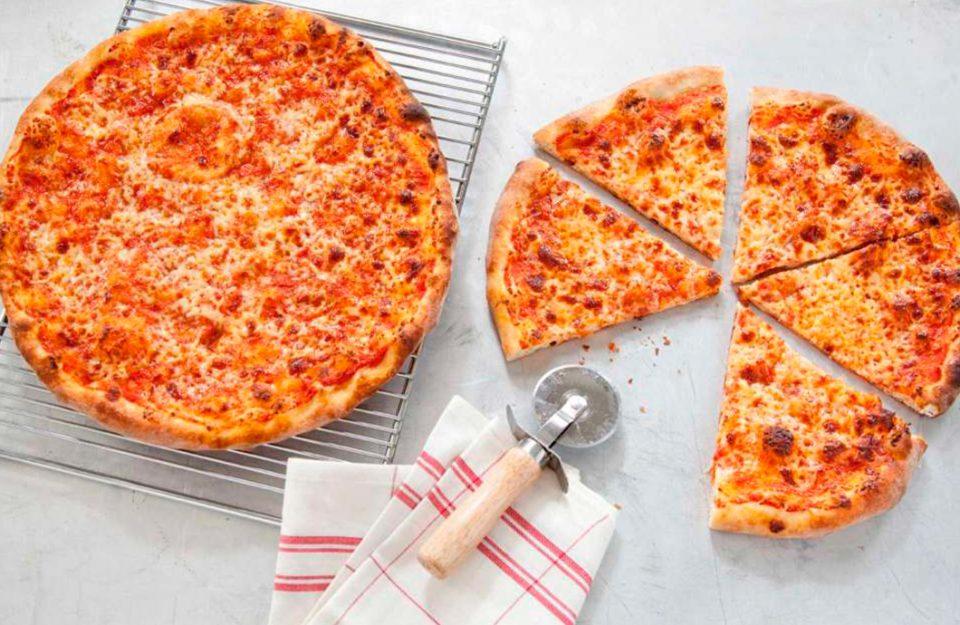 Pizza no Estilo Nova-Iorquino
