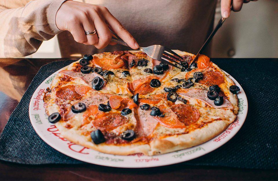 onde-comer-uma-tradicional-pizza-italiana-em-roma-dani-noce-imagem-destaque
