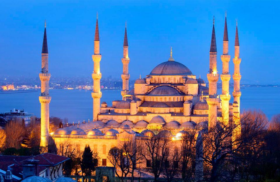 Conheça os principais pontos turísticos de Istambul