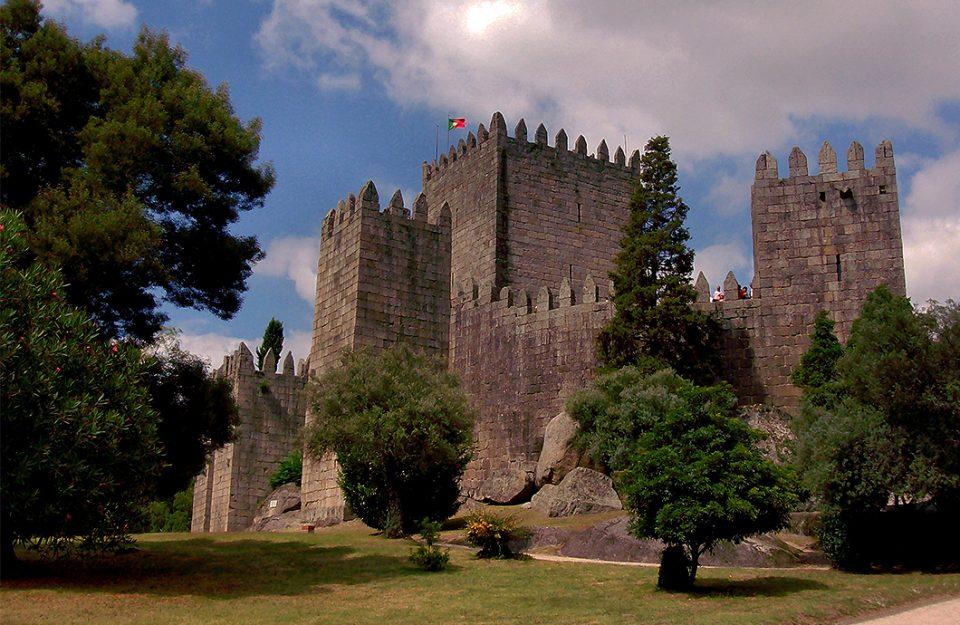 Conheça Guimarães: A Cidade Berço de Portugal