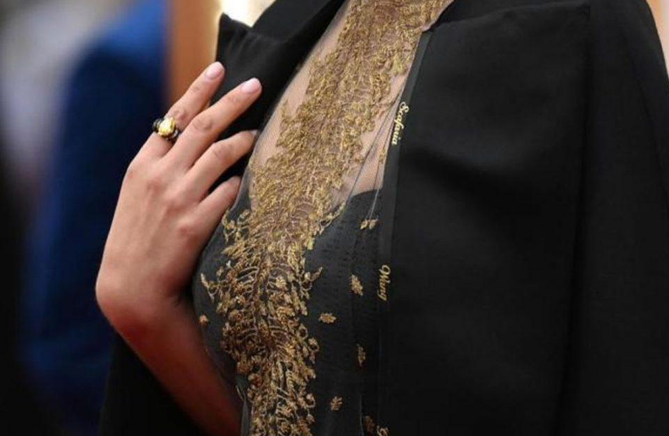 Os looks do Oscar 2020 com muito metalizado, fendas e preto