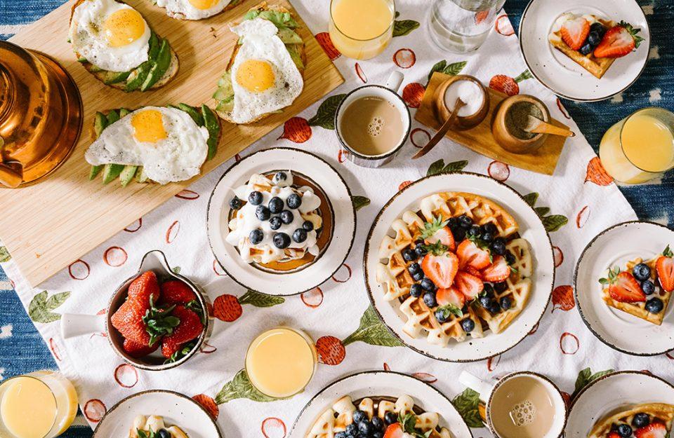 Café da manhã americano: 5 tipos para fazer em casa e se sentir nos EUA