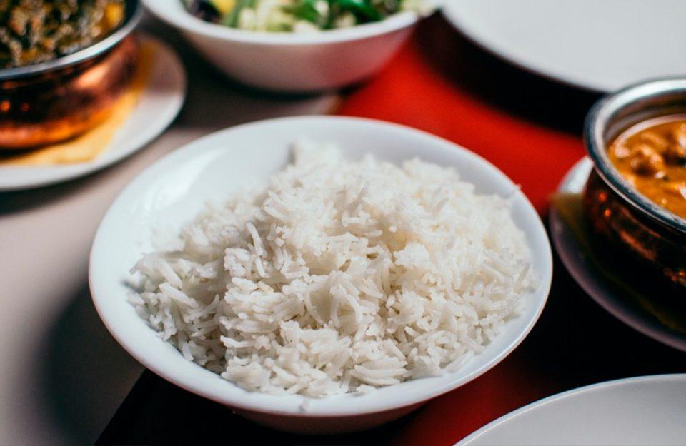 Como fazer o arroz gostoso e soltinho? 6 dicas e truques!