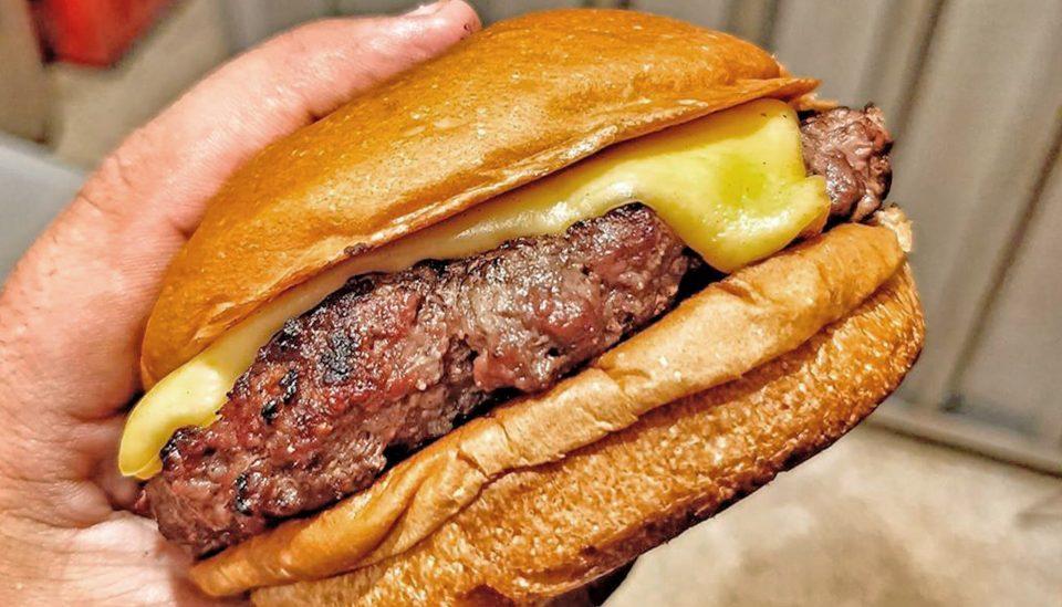 Hambúrguer delivery: os 5 melhores cheeseburguers para pedir em SP