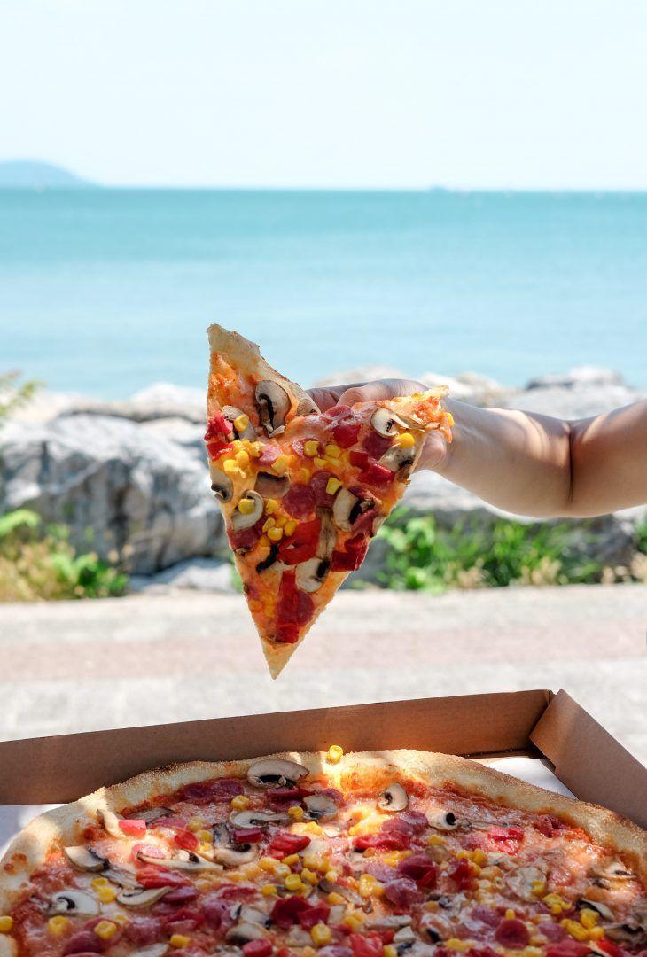 Massa de pizza: quais os tipos e receitas para fazer em casa