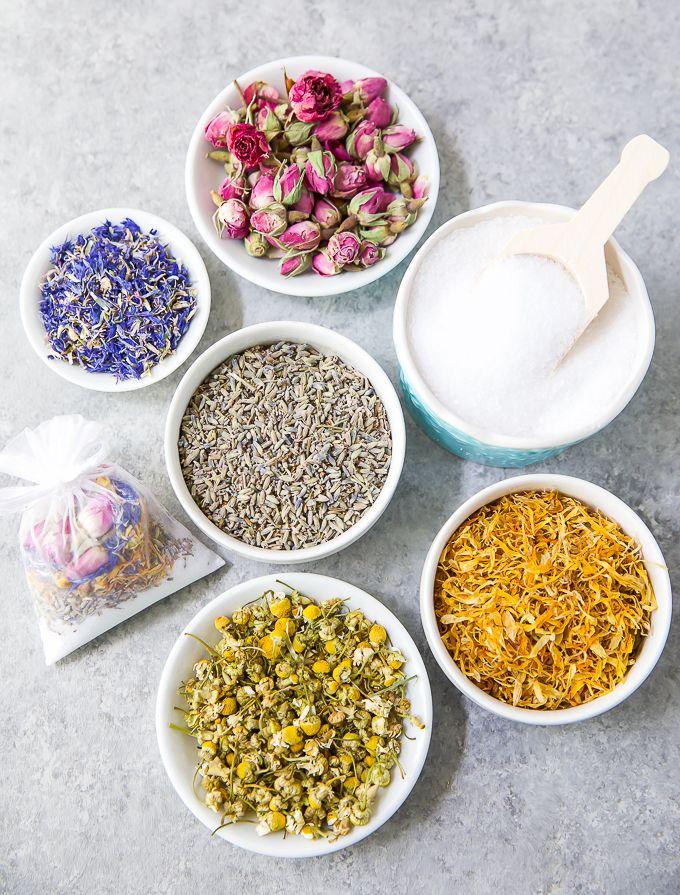 Banho de ervas: como purificar e energizar o corpo com essa prática