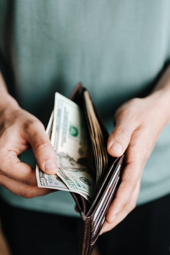 Crenças limitantes: o que atrapalha a relação saudável com o dinheiro