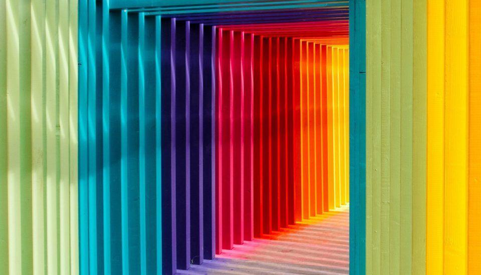 Cromoterapia: tudo sobre a prática de cura através das cores