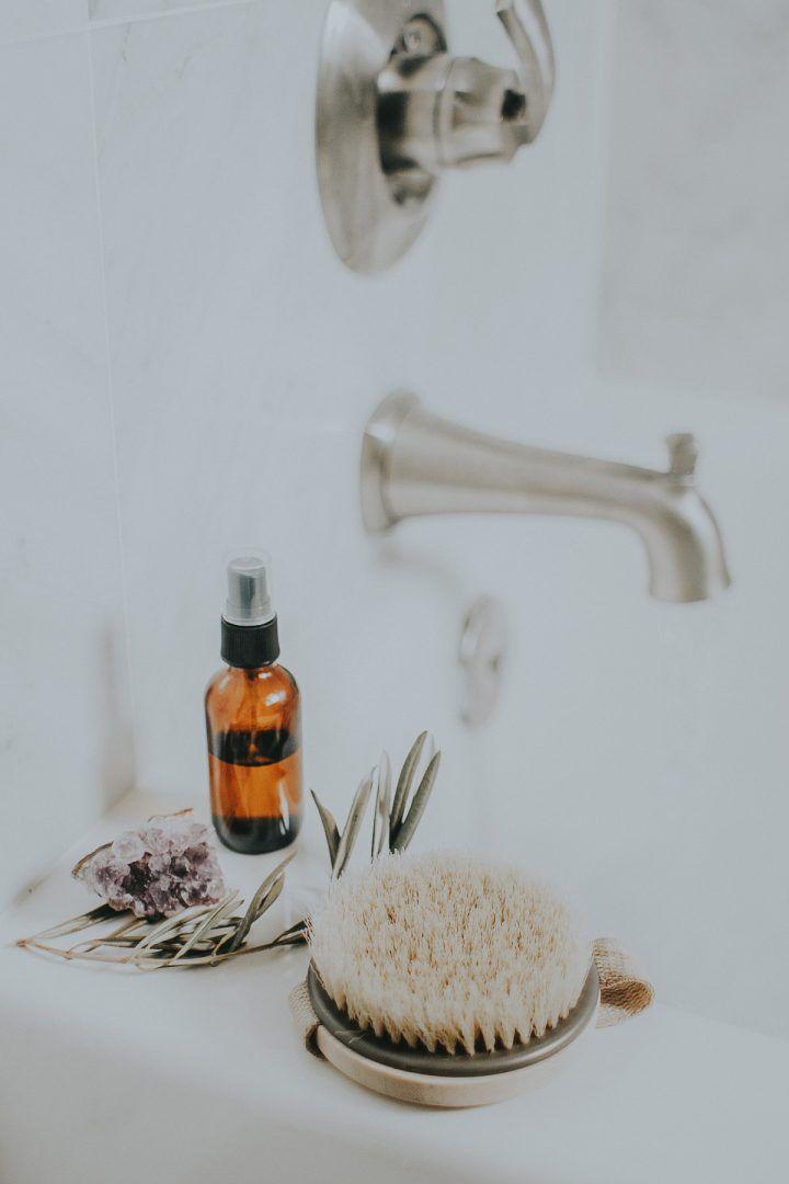 Dry brushing ou esfoliação a seco: tudo que você precisa saber!