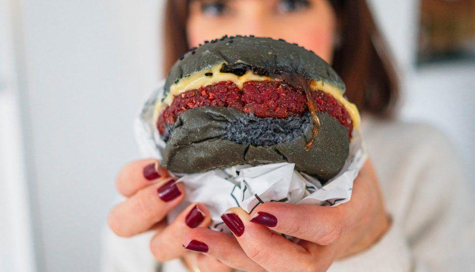 Hambúrguer vegetariano e vegano: os 5 melhores deliveries para pedir em SP