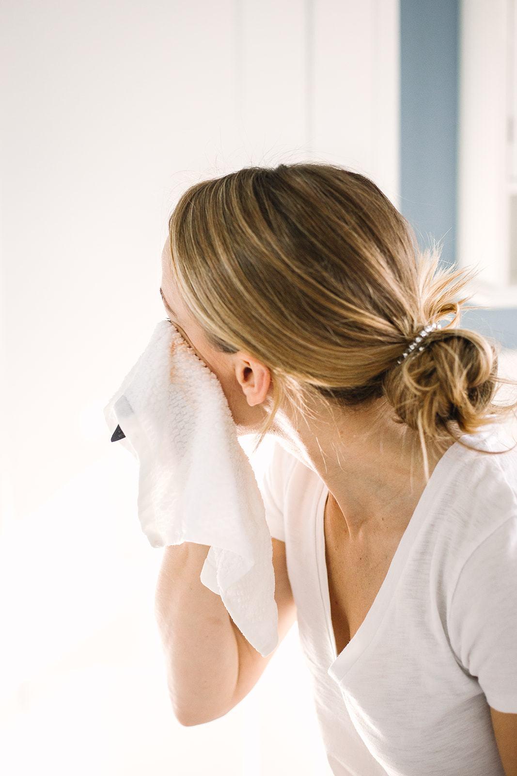 Limpeza de pele: quais os produtos para tirar a maquiagem e impurezas?