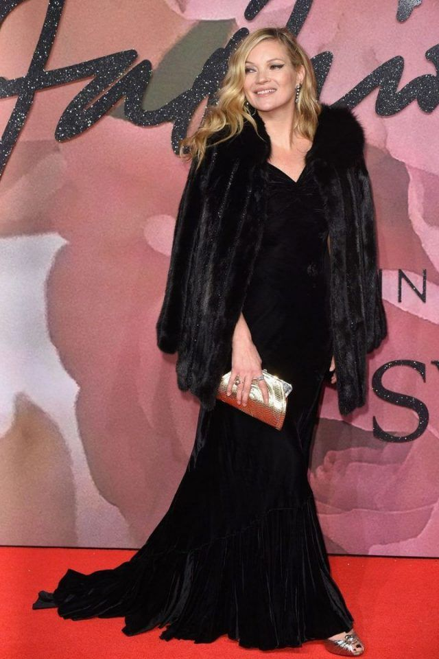 Kate Moss + veludo: alguns looks para nos inspirar