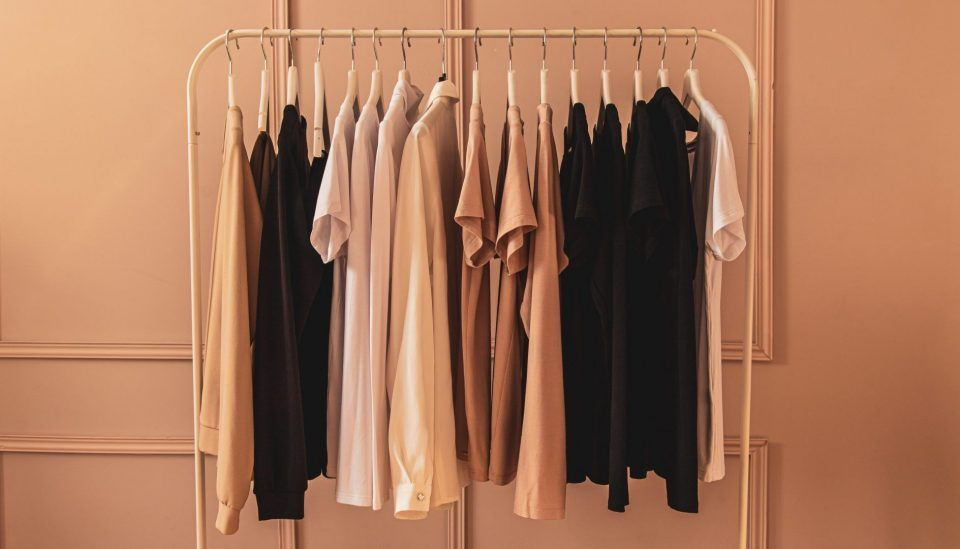 """Moda sustentável: """"certezas"""" para ter antes de comprar roupas novas"""