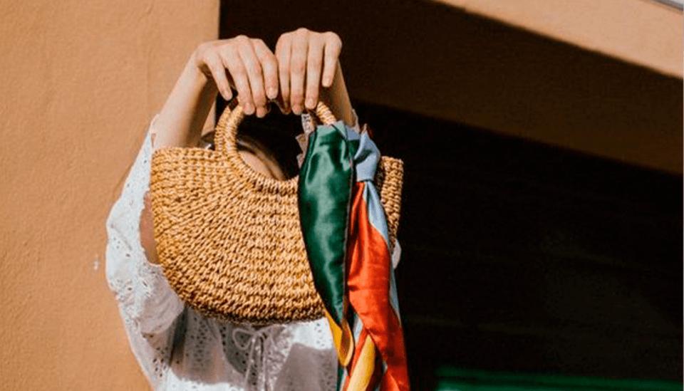 Bolsa de palha: como usar fora da praia em street looks