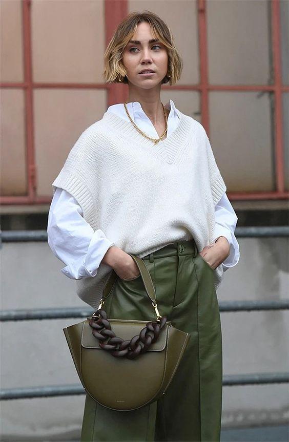 Camisa branca: como usar no inverno com combinações maravilhosas
