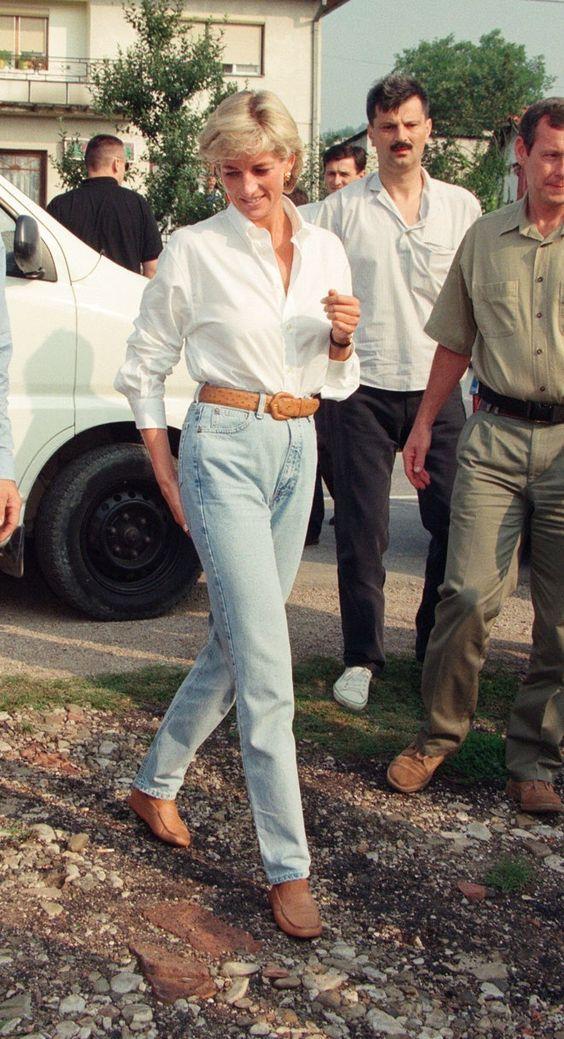 Os looks das famosas com camisa branca
